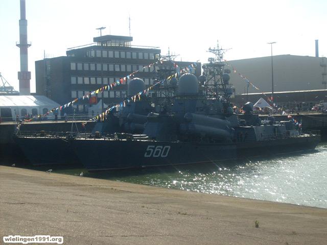 Voici mes photos des navires Base_118