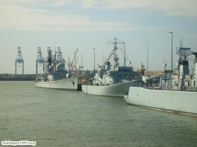 Voici mes photos des navires Base_119