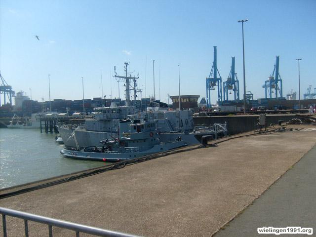 Voici mes photos des navires Base_214