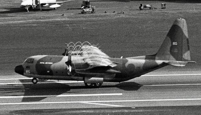 [dossier] La guerre des Malouines C-130_10