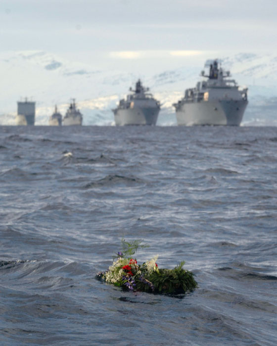 Roya Navy warships honour HMS Hunter Cayraj10