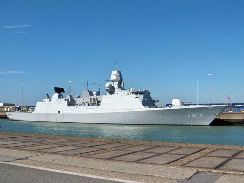 L'Amiral Robijns part à la retraite le 30.06.2011 - Page 3 Hpim9911