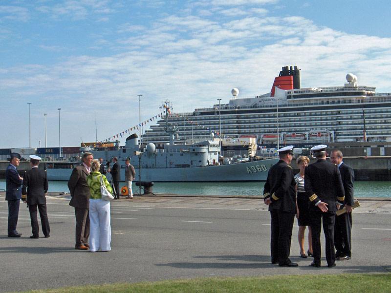L'Amiral Robijns part à la retraite le 30.06.2011 - Page 3 Hpim9912