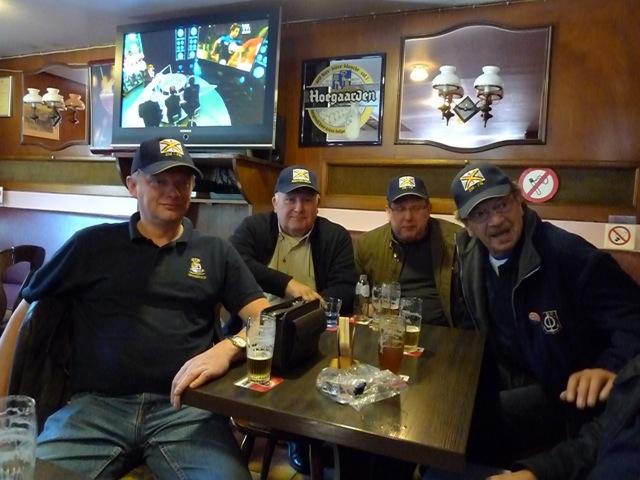 Remise des casquettes au Big Ben le 15.10.11 P1030513