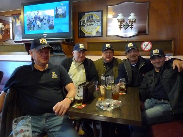 Remise des casquettes au Big Ben le 15.10.11 P1030515