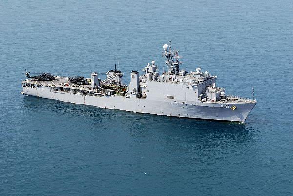 Amphibious assault ship (LHA - LHD - LPD) - Page 2 Web_0115