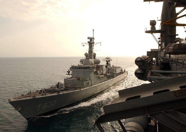 M-klasse fregatten (Karel Doorman M-class frigates) - Page 2 Web_0410