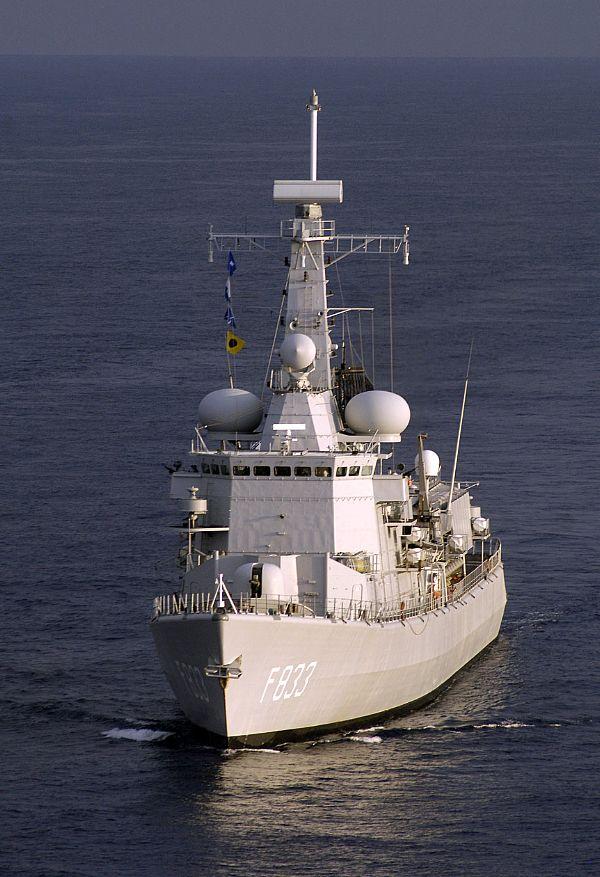 M-klasse fregatten (Karel Doorman M-class frigates) - Page 2 Web_0710