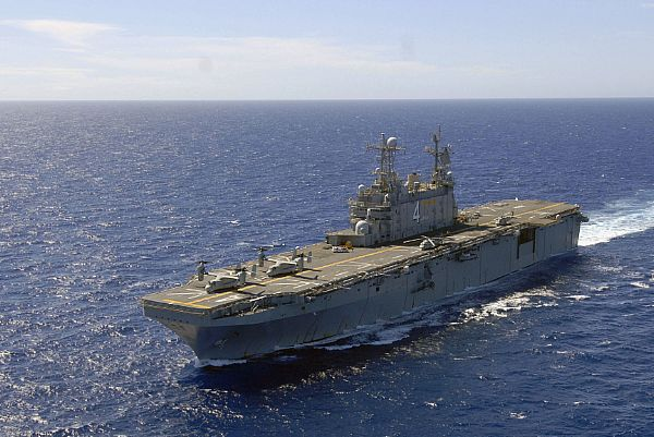 Amphibious assault ship (LHA - LHD - LPD) Web_0811