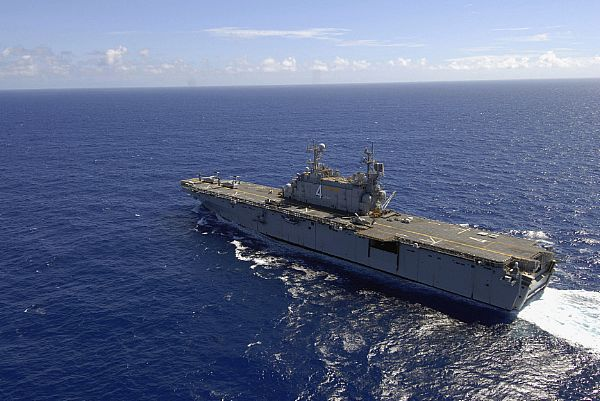 Amphibious assault ship (LHA - LHD - LPD) Web_0812