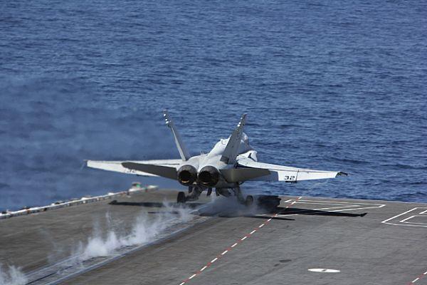 Navy Aircraft : F18 Hornet & Super Hornet - E-2 Hawkeye ... Web_0867