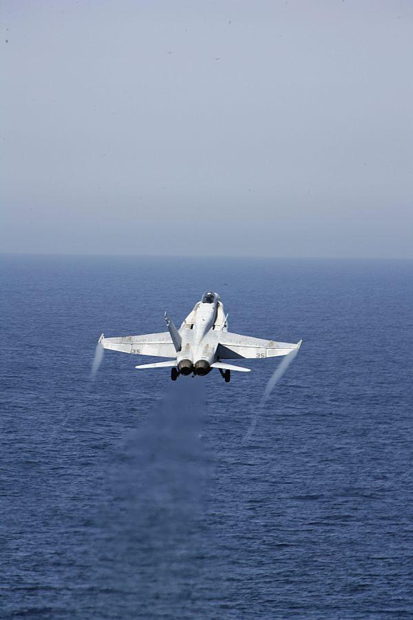 Navy Aircraft : F18 Hornet & Super Hornet - E-2 Hawkeye ... Web_0869