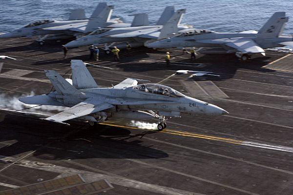 Navy Aircraft : F18 Hornet & Super Hornet - E-2 Hawkeye ... Web_0870