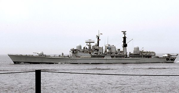 Type 42 Class destroyer - Page 4 Web_0892