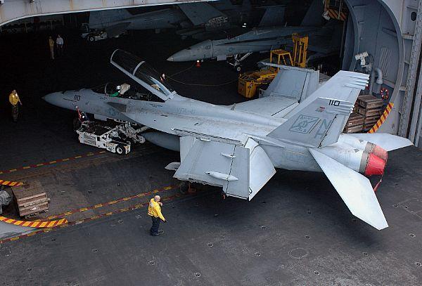 Navy Aircraft : F18 Hornet & Super Hornet - E-2 Hawkeye ... Web_0893