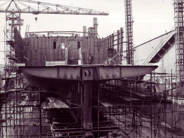 Construction, baptême et lancement du F910 Wielin16