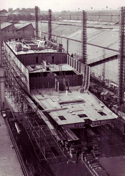 Construction, baptême et lancement du F910 Wielin17