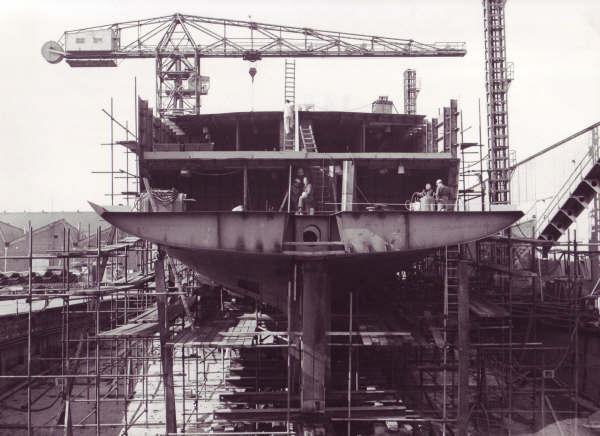 Construction, baptême et lancement du F910 Wielin19
