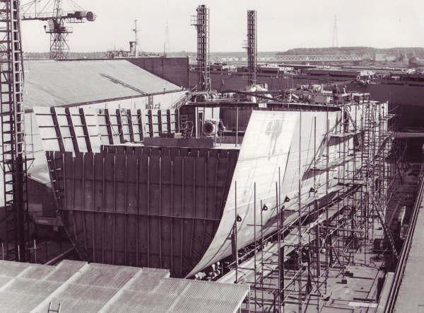 Construction, baptême et lancement du F910 Wielin20