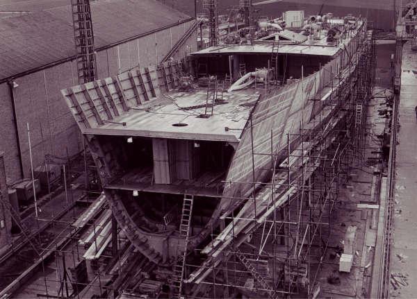 Construction, baptême et lancement du F910 Wielin22