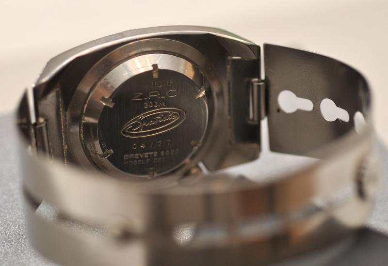 Enicar - Un post qui référence les montres de brocante... tome I - Page 38 Dsc_0611