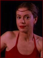 Regarde une feuille de personnage Phoebe11