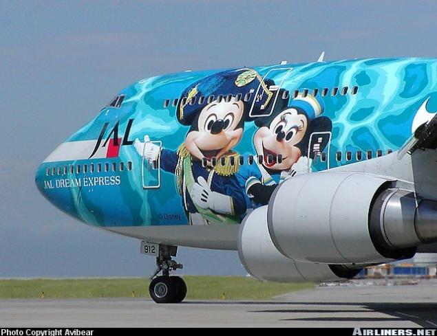 صور لطائرات مرسوم عليها رسوم متحركة A_00210