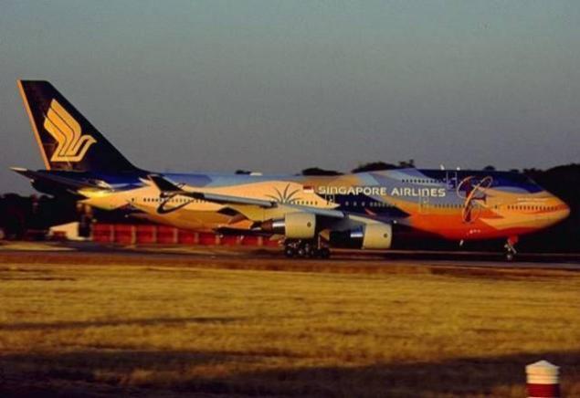 صور لطائرات مرسوم عليها رسوم متحركة A_00510