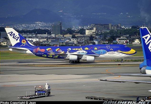 صور لطائرات مرسوم عليها رسوم متحركة A_00610