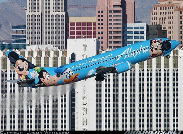 صور لطائرات مرسوم عليها رسوم متحركة A_01010