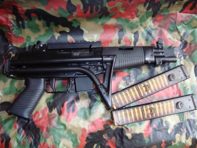 Pistolets-mitrailleurs : on n'en parle pas beaucoup ! - Page 4 Famae_15