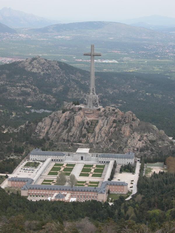 El Valle de Los Caídos, Banlieue de Madrid, Espagne. 48125110