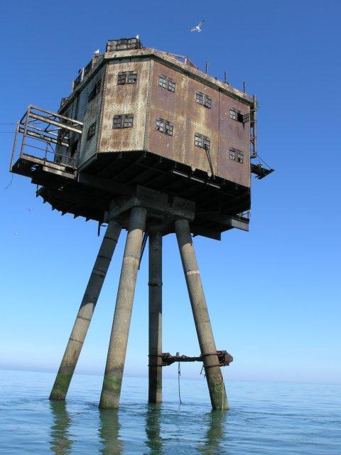 Les Forts Maunsell- Principauté de Sealand - Mer du Nord - UK Maunse11