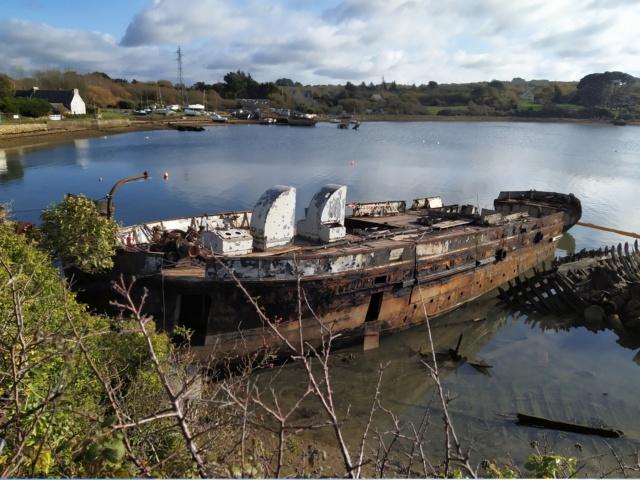 [Autre sujet Marine Nationale] Démantèlement, déconstruction des navires - TOME 2 - Page 4 Image194