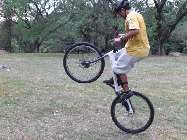 how do you practice rear wheel hop o back hop? - Page 2 Cimg0015