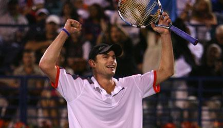 Roddick y Feliciano van por Dubai Sfsff10