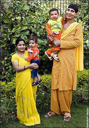 bebé gigante que a los 10 meses llega a cerca de un metro de alto F2008010