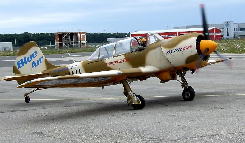 Yak-52TW Dscf9523