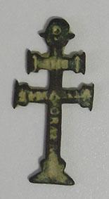 Cruz de Caravaca con  inscripción  IHS / S. MARIA, S. XVII Imagen10