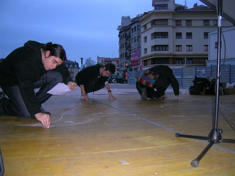 FOTOS - Colaboracion para la realizacion de la Paloma de la Paz del 11-M Dscn0814
