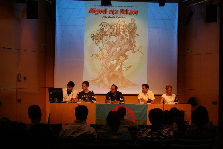 """Presentación del cómic: """"Miguel y Nekane. El pueblo gitano en la historia"""" Img_5213"""