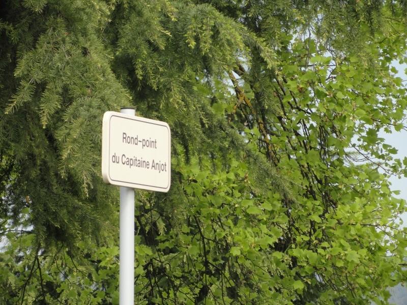 Monument des GLIERES Dsc03813