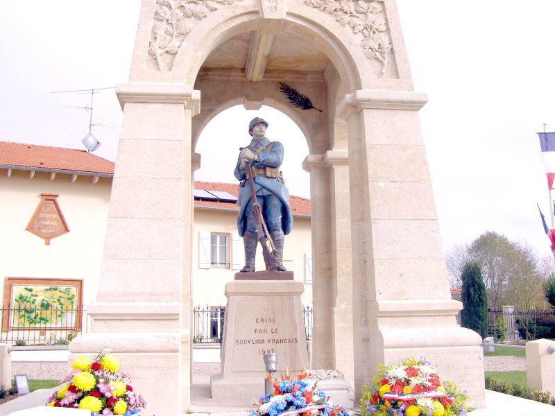 Monument 11° DI_le Léomont_54_ Pb020014