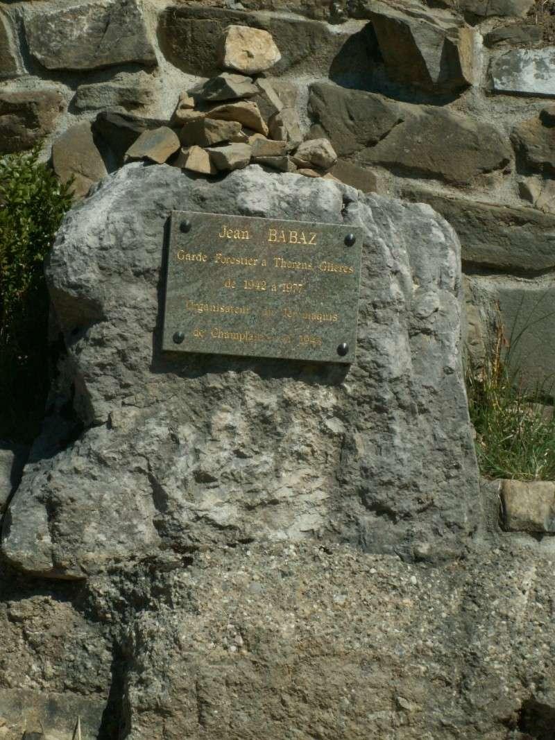 Monument des GLIERES Pict0517