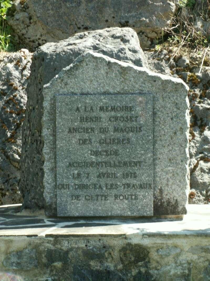 Monument des GLIERES Pict0520