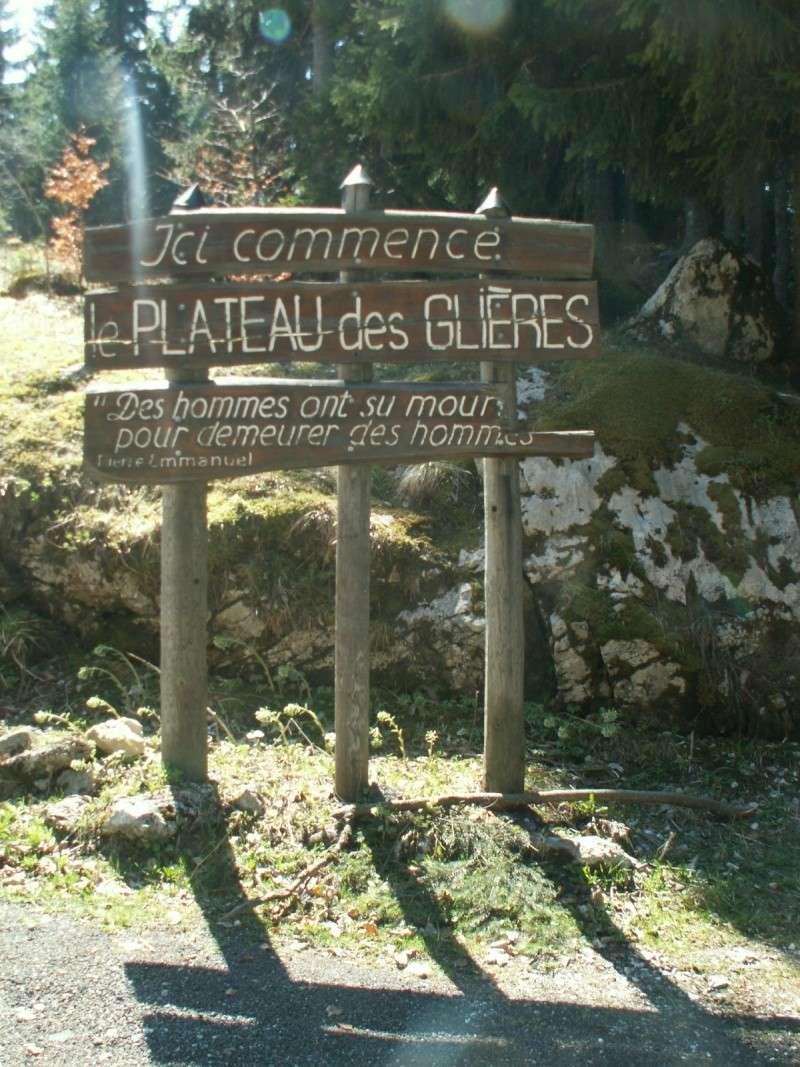Monument des GLIERES Pict0524