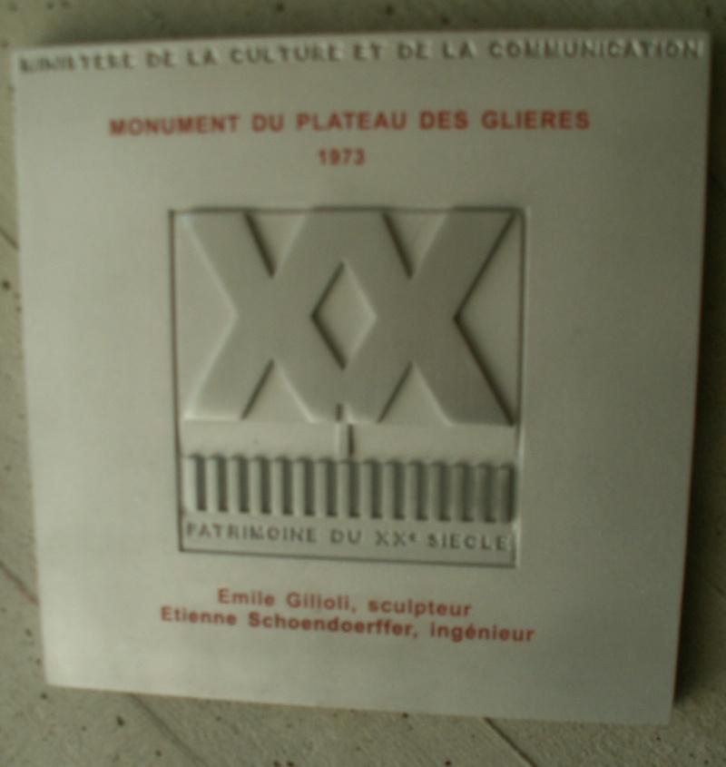 Monument des GLIERES Pict0538