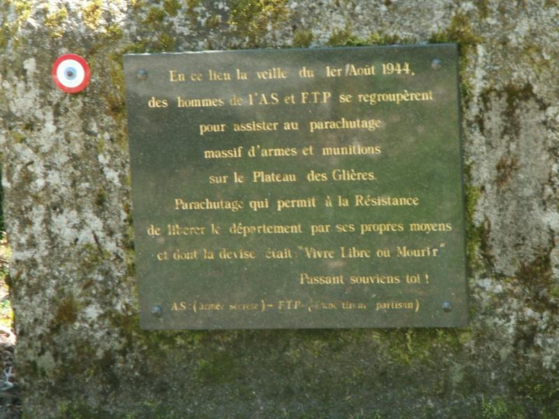 Monument des GLIERES Pict0625