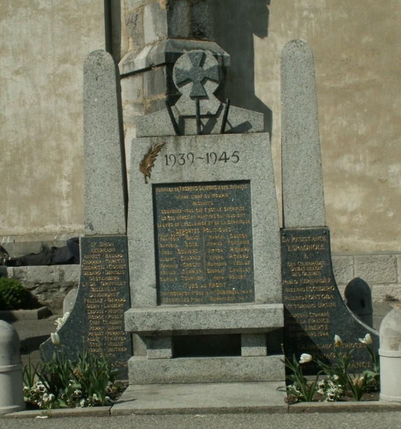 Monument des GLIERES Pict0626