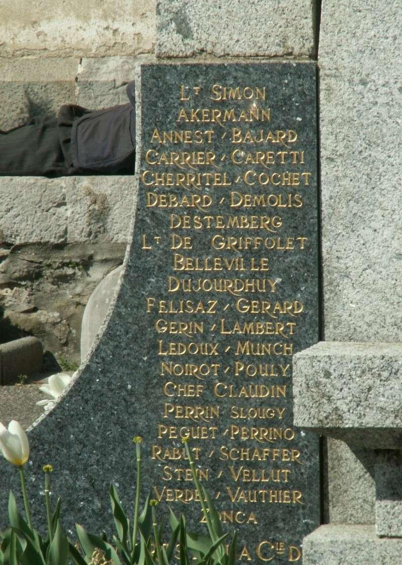Monument des GLIERES Pict0628